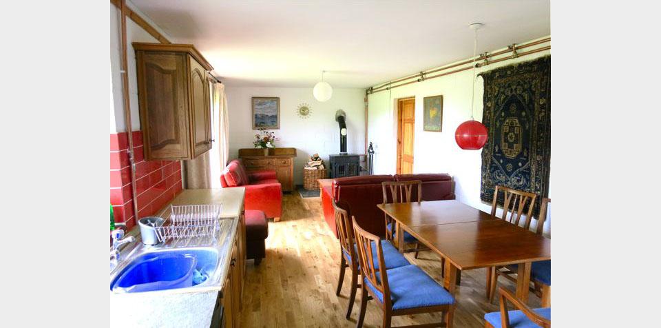 living/kitchen 2